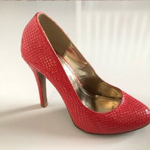 ea24c46bc72 Steve Madden Shoes - Steve Madden p-ronni coral snake skin pump 500
